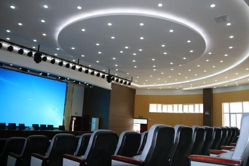 选择学校多功能报告厅灯光音响设备应该注意哪些事项?
