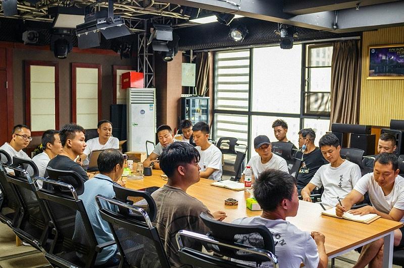 鹰皇科技2021年中租赁部门会议