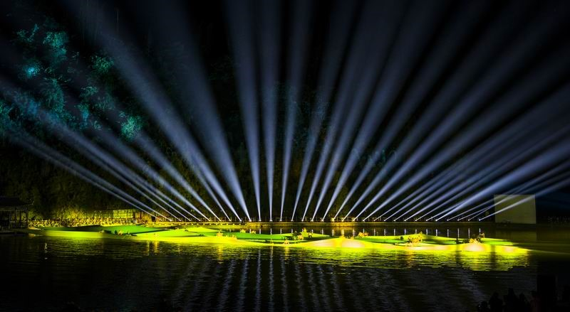 户外实景演出的舞台灯光注意事项 --鹰皇科技