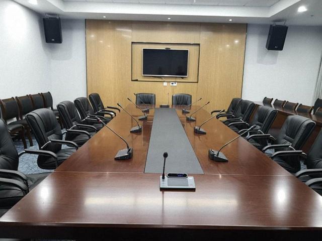 会议室音响设备有电流声怎么解决